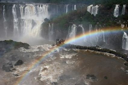 Le Cascate del Fiume Iguazu, una delle Sette Meraviglie del Mondo Naturale